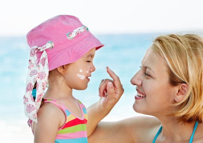 Keeping Sunscreen on children